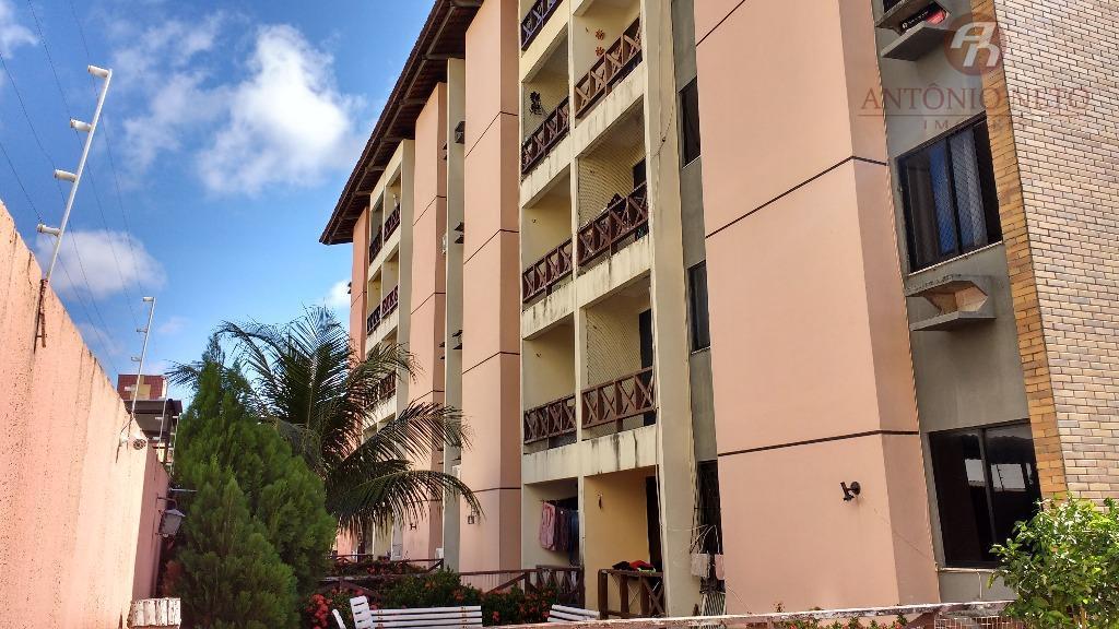 Apartamento no montese, otima localização e excelente preço.