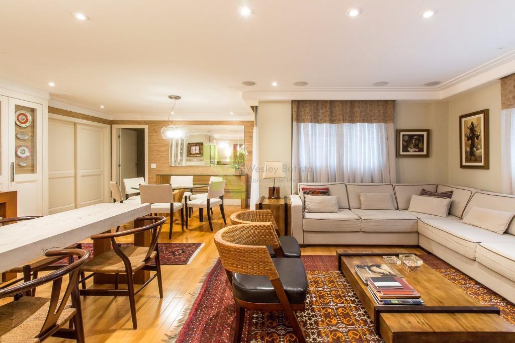 Apartamento com 155m² Privativos, 3 Dormitórios e 2 Vagas no Batel.
