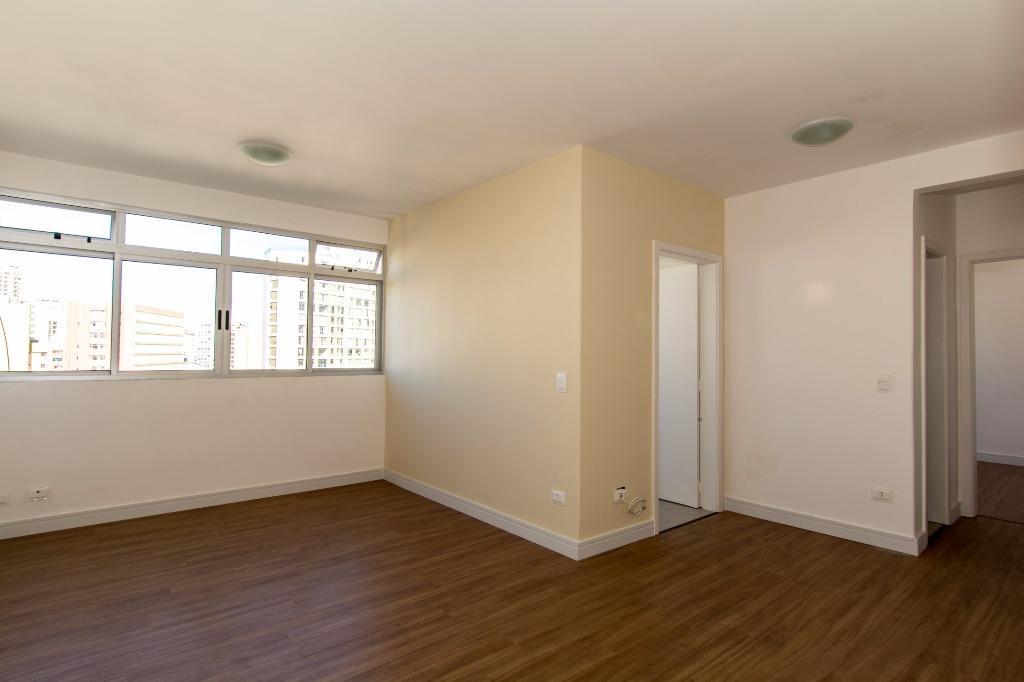 Apartamento 1 quarto AMPLO com vaga no centro