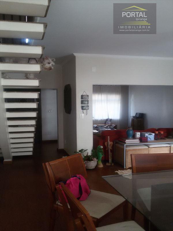 SOBRADO NO IPIRANGA - 03 DORMS. E 02 VAGAS