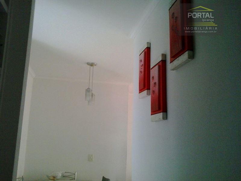 lindo apartamento com piso em porcelanato, armarios planejados nos dormitorios e cozinha. 1 vaga de garagem,...