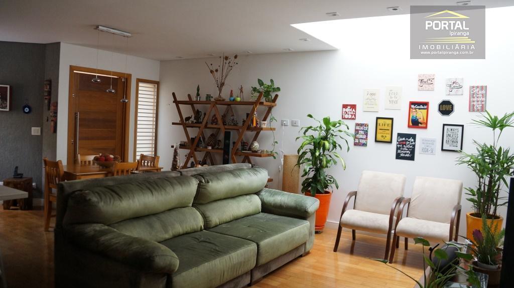 Condomínio fechado - Sobrado 03 dormitórios (01 suíte)  e 03 vagas - Cambuci