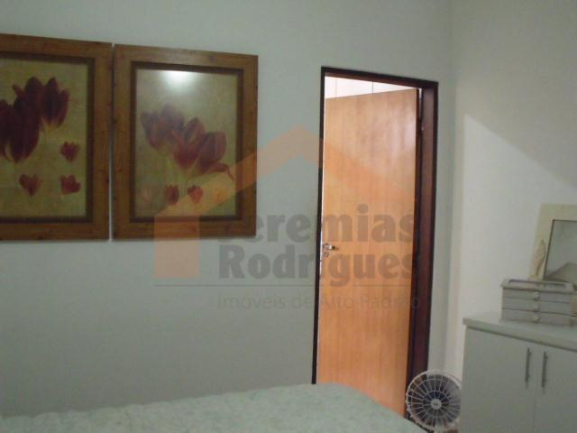 Casa residencial à venda, Vila São Geraldo, Taubaté.