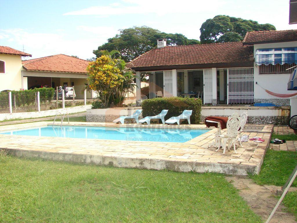 Casa residencial à venda no Condomínio Village Paineiras em Pindamonhangaba.