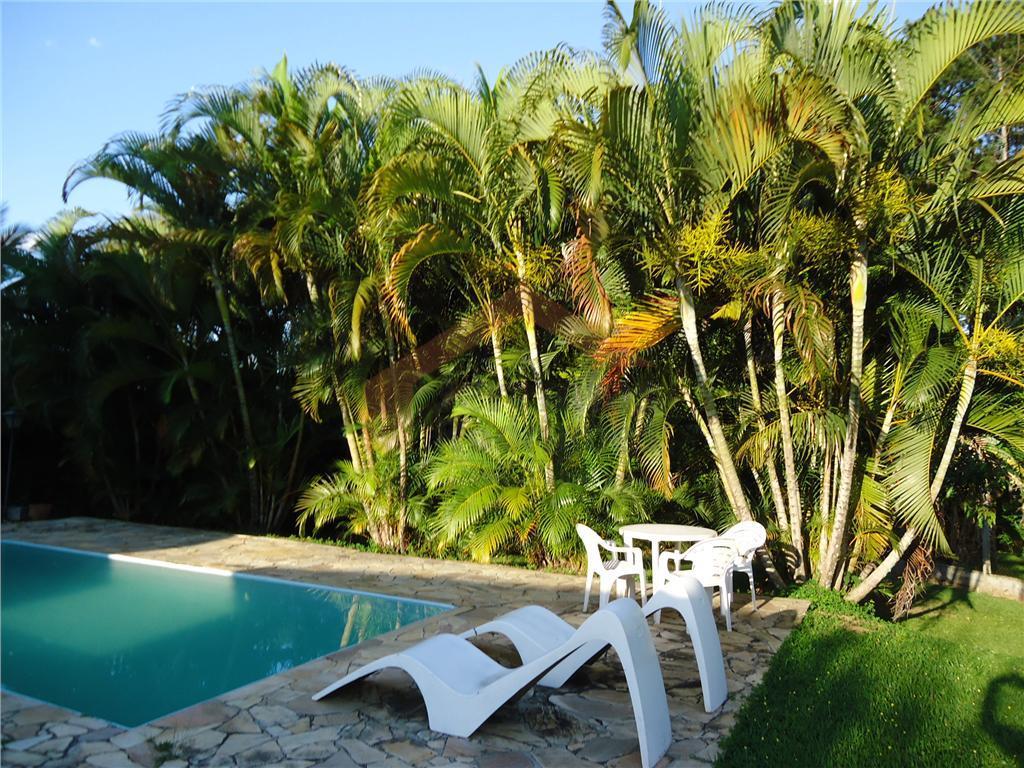 Casa residencial à venda no Condomínio Village Paineiras em Pindamonhangaba - CA2099.