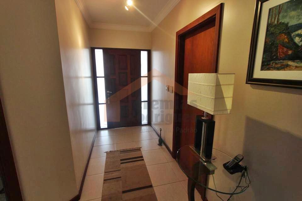 a imobiliária jeremias rodrigues imóveis de alto padrão tem a honra de lhe apresentar esta casa...