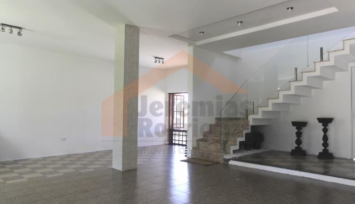 Casa residencial para venda e locação no Condomínio Village Paineiras em Pindamonhangaba - CA0058.