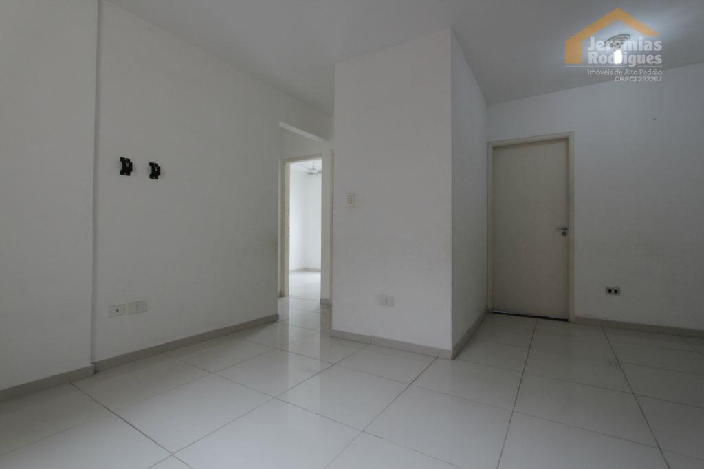 Apartamento residencial para venda e locação, Santana, Pindamonhangaba - AP3140.