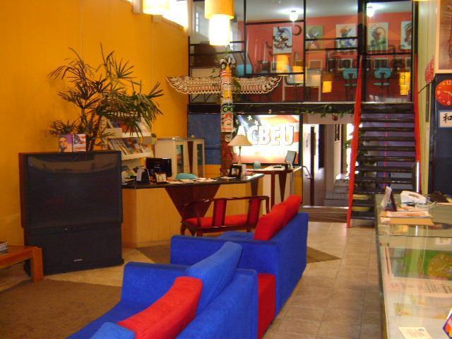 Sala comercial para venda e locação, Jardim Independência, Taubaté.