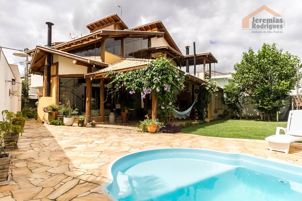 Casa à venda no Condomínio Campos do Conde Versailles em Tremembé - CA3337.