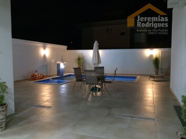 Casa residencial para venda e locação no Condomínio Real Ville em Pindamonhangaba - CA3383.