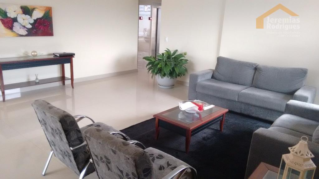 Apartamento residencial para venda e locação no Edifício Flamboyant em Taubaté.