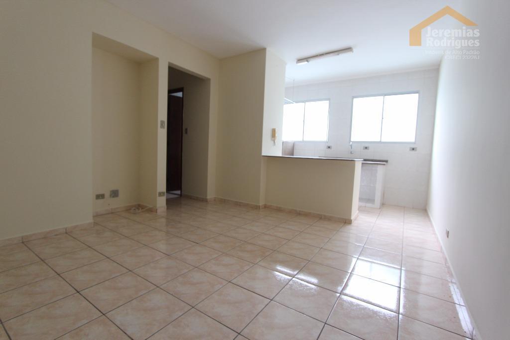 Apartamento residencial à venda, São Benedito, Pindamonhangaba - AP3522.
