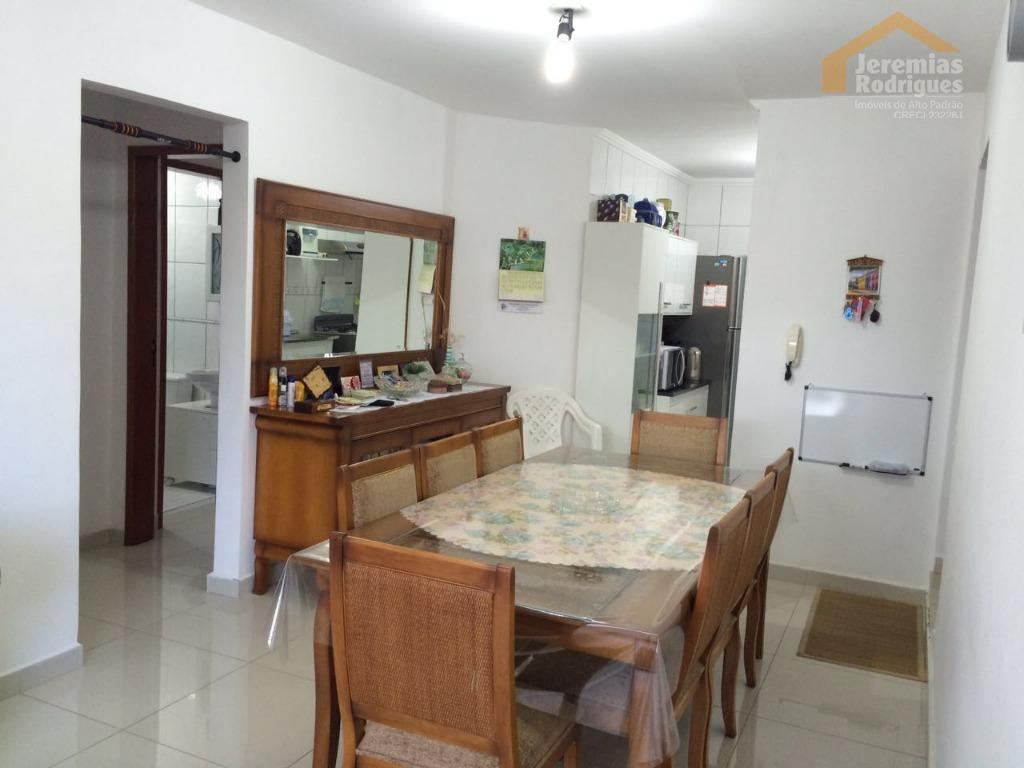 Apartamento residencial à venda, São Benedito, Pindamonhangaba - AP3631.