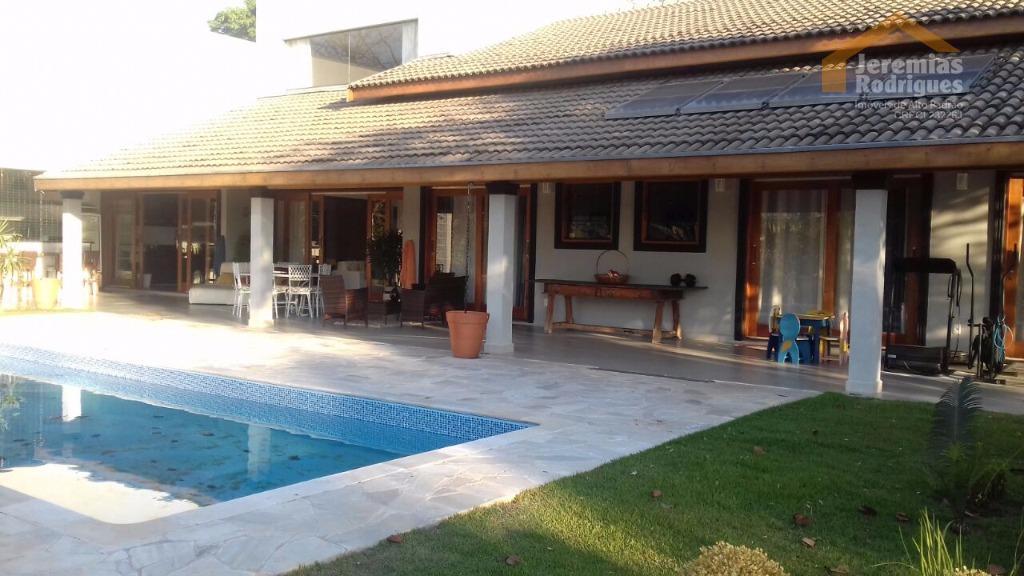 Casa residencial à venda no Condomínio Chácaras Cataguá em Taubaté - CA3606.