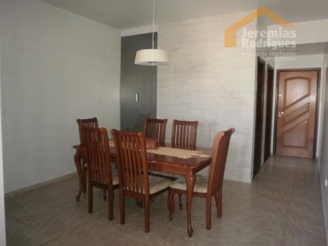 Apartamento residencial à venda, Centro, Taubaté - AP3648.