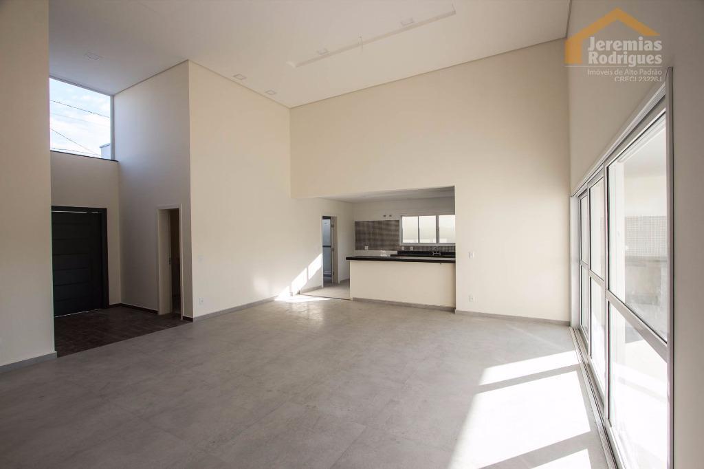 Casa residencial à venda e locação no Condomínio Real Ville em Pindamonhangaba.