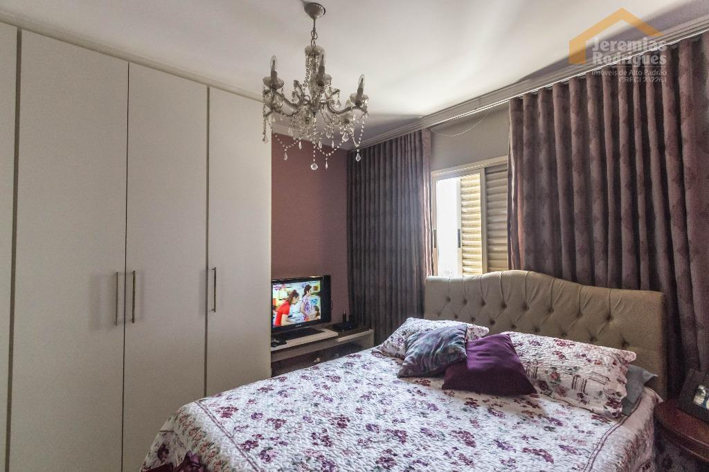 Apartamento residencial à venda no Edifício Milão em Taubaté.