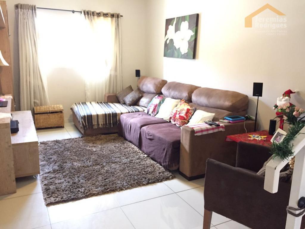 Casa residencial à venda no Condomínio Aquarela do Vale em Taubaté.