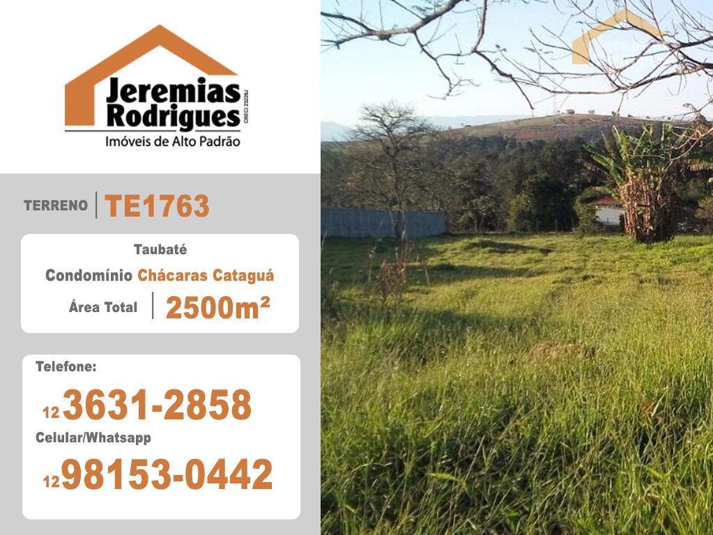 Terreno residencial à venda no Condomínio Chácaras Cataguá em Taubaté.