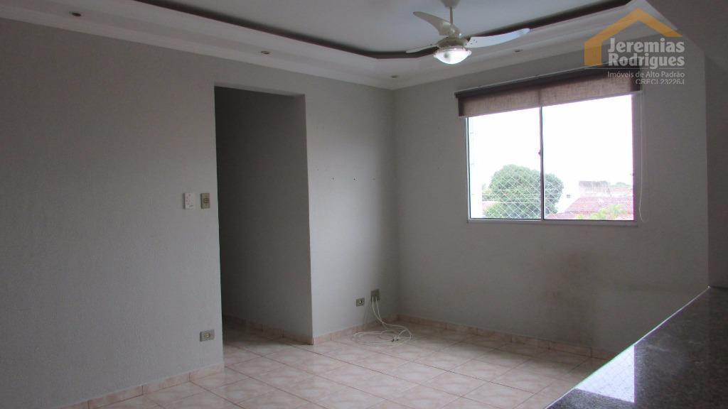 Apartamento residencial à venda Edifício Costa do Sol em Pindamonhangaba.