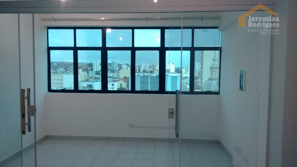 Sala comercial à venda no Edifício Central Office em Taubaté.