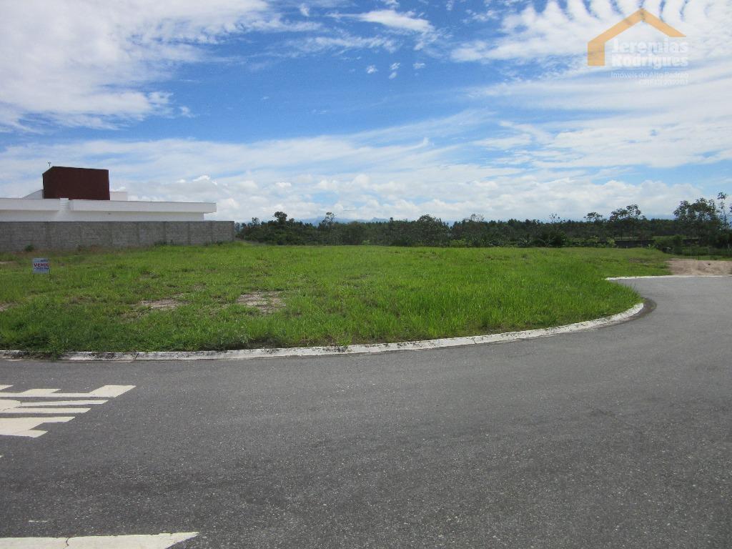 Terreno residencial à venda no Condomínio Real Ville em Pindamonhangaba.