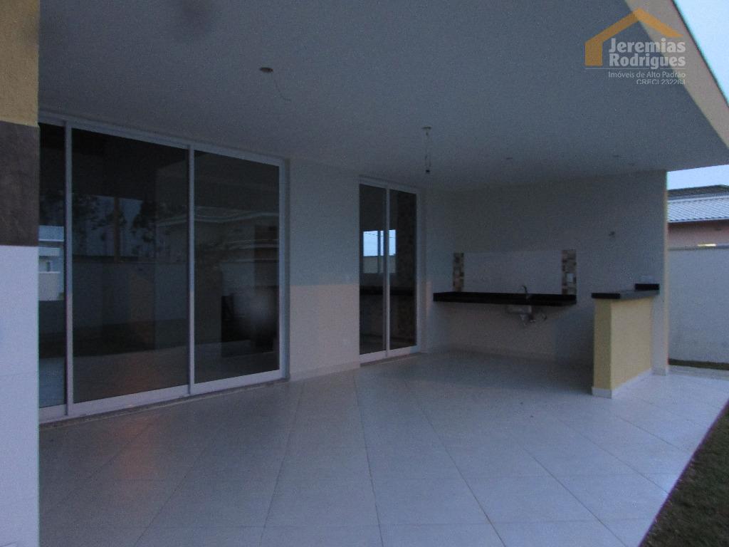Casa residencial à venda no Condomínio Real Ville em Pindamonhangaba.
