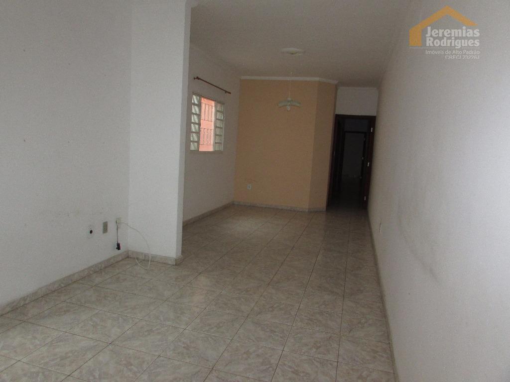 Casa residencial para venda e locação, Bela Vista, Pindamonhangaba.