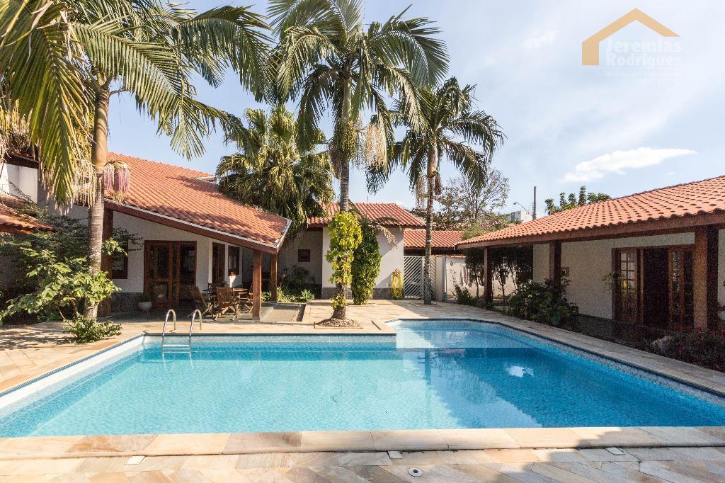 Casa residencial para venda e locação no Condomínio Village Paineiras, Pindamonhangaba - CA0432.