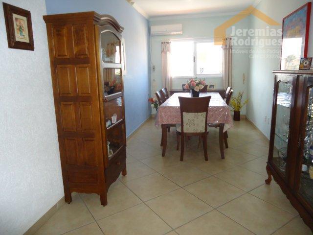 Apartamento residencial à venda no Edifício São Raphael em Pindamonhangaba.