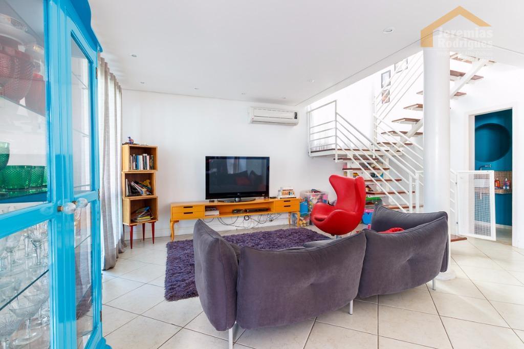 Casa residencial à venda no condomínio Taubaté Village em Taubaté - CA0130.