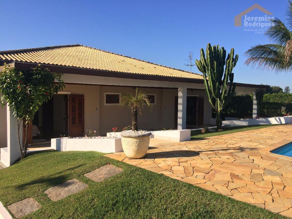 Casa residencial à venda no Condomínio Chácaras Cataguá em Taubaté - CA4002.