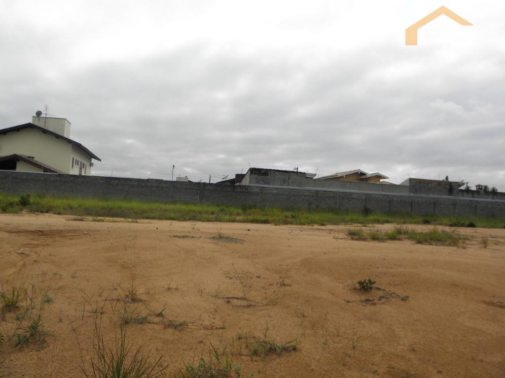 Terreno residencial à venda no Condomínio Village Splendore em Pindamonhangaba.