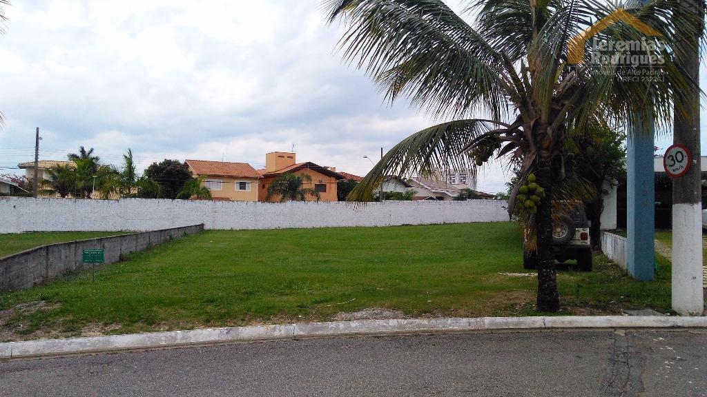 Terreno residencial à venda no Condomínio Taubaté Village em Taubaté.