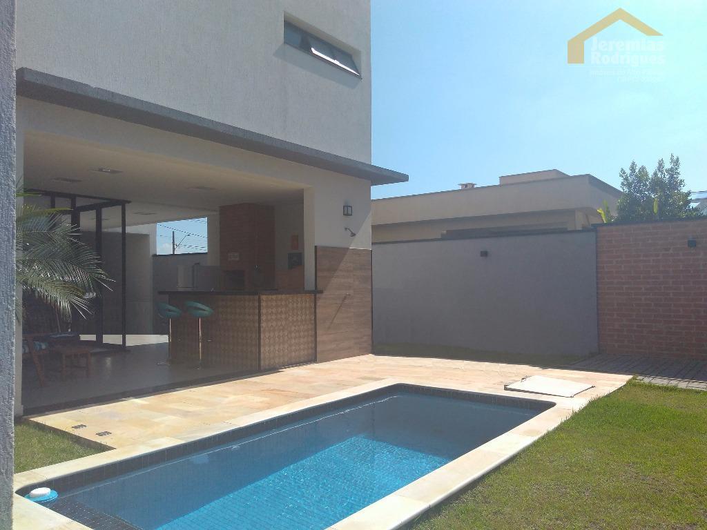 Casa residencial à venda no Condomínio Green Park em Taubaté.