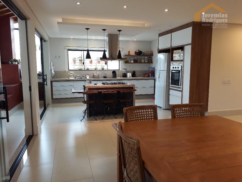 Casa residencial à venda no Condomínio Residencial Green Park em Taubaté.