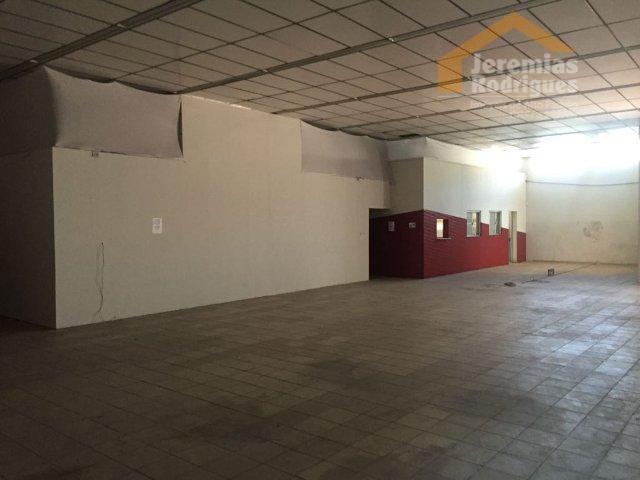 Salão comercial para venda e locação, Centro, Pindamonhangaba.