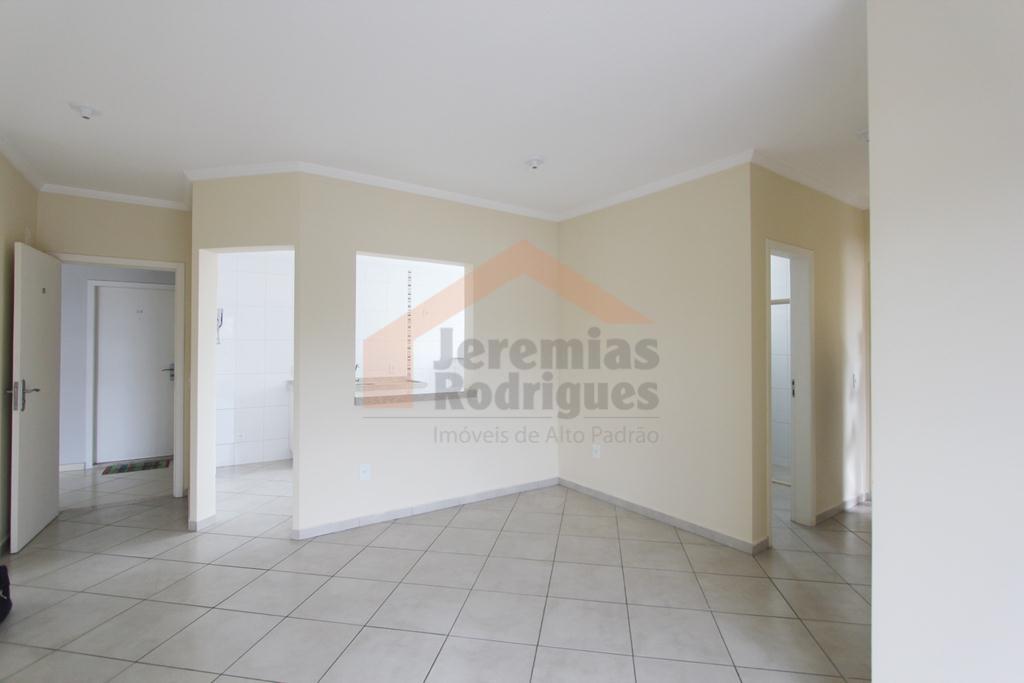 Apartamento residencial à venda, São Benedito, Pindamonhangaba - AP2577.