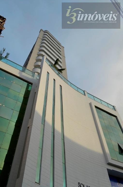Apartamento com duas suítes e 2 vagas de garagens no centro de Itajaí SC
