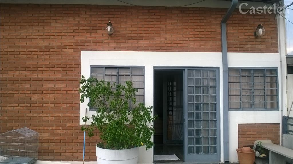 Casa de 3 dormitórios em Vila Lemos, Campinas - SP