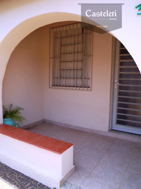 Casa de 3 dormitórios em Vila Marieta, Campinas - SP