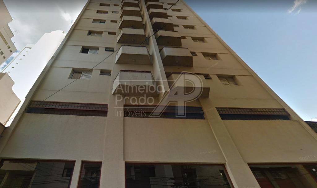 Apartamento com 1 dormitório para alugar, 55 m² por R$ 900,00/mês - Cambuí - Campinas/SP