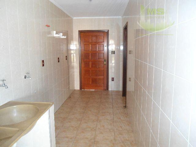 excelente sobrado com 3 dormitórios sendo 1 suíte com hidro e closet, rica em armários embutidos,...