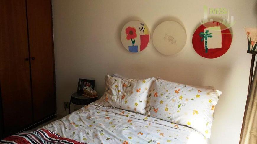 lindo apartamento, próximo a mercados, farmácia, restaurantes escolas, clubes... living para 2 ambientes com sacada, 3...