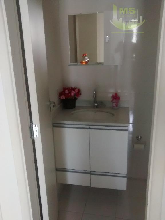 3 dormitórios 1 suite ,2 banheiros 1 lavabo ,2 garagens ,sala par 2 ambiente , cozinha...