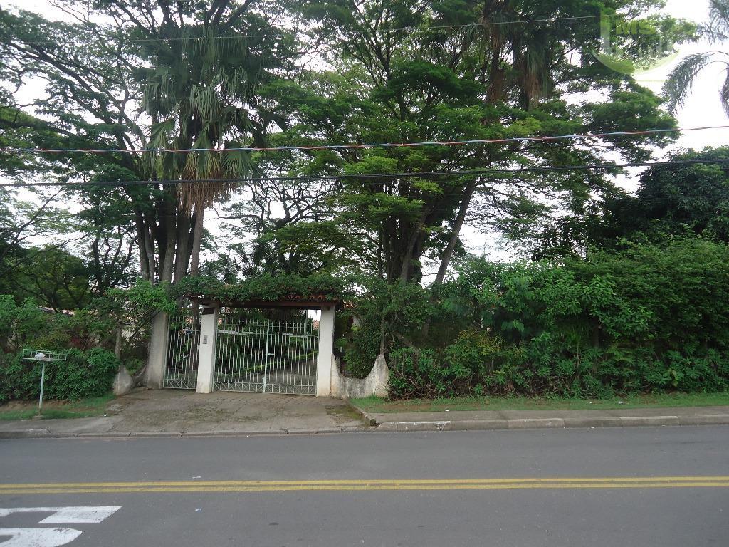 região nobre de valinhos - área com 5.400 m² em zoneamento misto - propriedade bem cuidada...