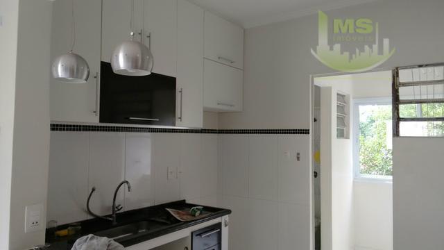 lindo apartamento todo reformado ,dois dormitórios , 2 vagas. excelente localização.. prédio sem elevador. silencioso e...