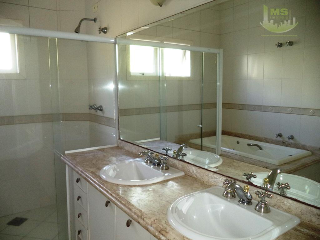 excelente oportunidade para investir no seu sonho de morar em um sobrado em condomínio fechado. design...