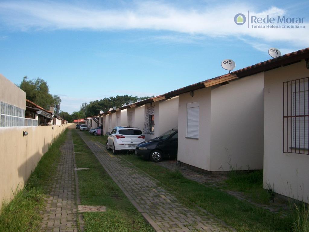 Casa dois dormitórios em condomínio para locação, Ponta Grossa, Porto Alegre.